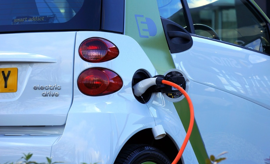 Reino Unido: carros a gasolina serão banidos em 2030