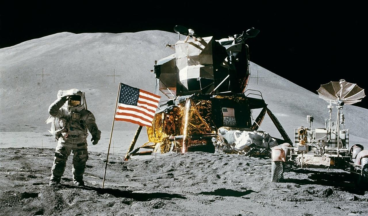 NASA pretende enviar seres humanos à Lua 52 anos após a missão de 1972.