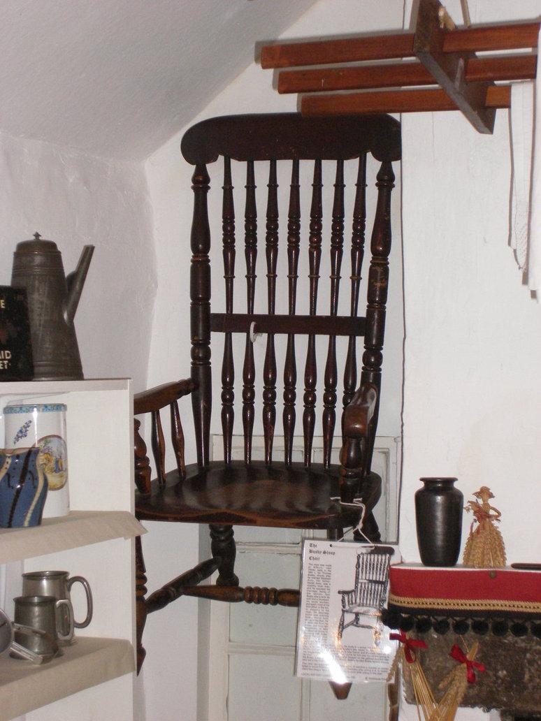 A famosa cadeira de Busby no museu. (Fonte: Seeks Ghosts/Reprodução)