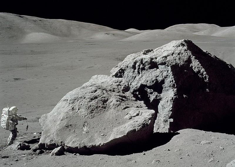Astronauta Harrison Schmitt, da Apollo 17, na última missão tripulada à Lua, em 1972.