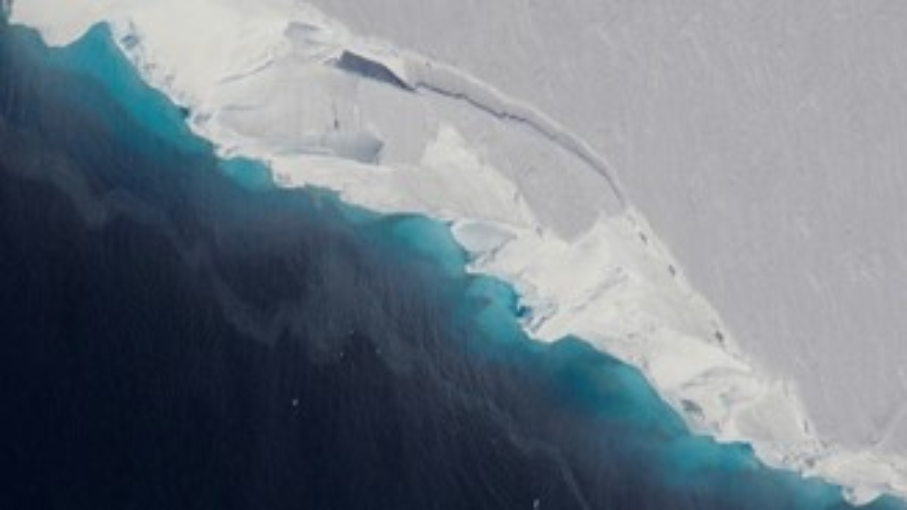 A água quente já abriu uma cavidade de 40 quilômetros quadrados e 300 metros de altura na base da geleira Thwaites.