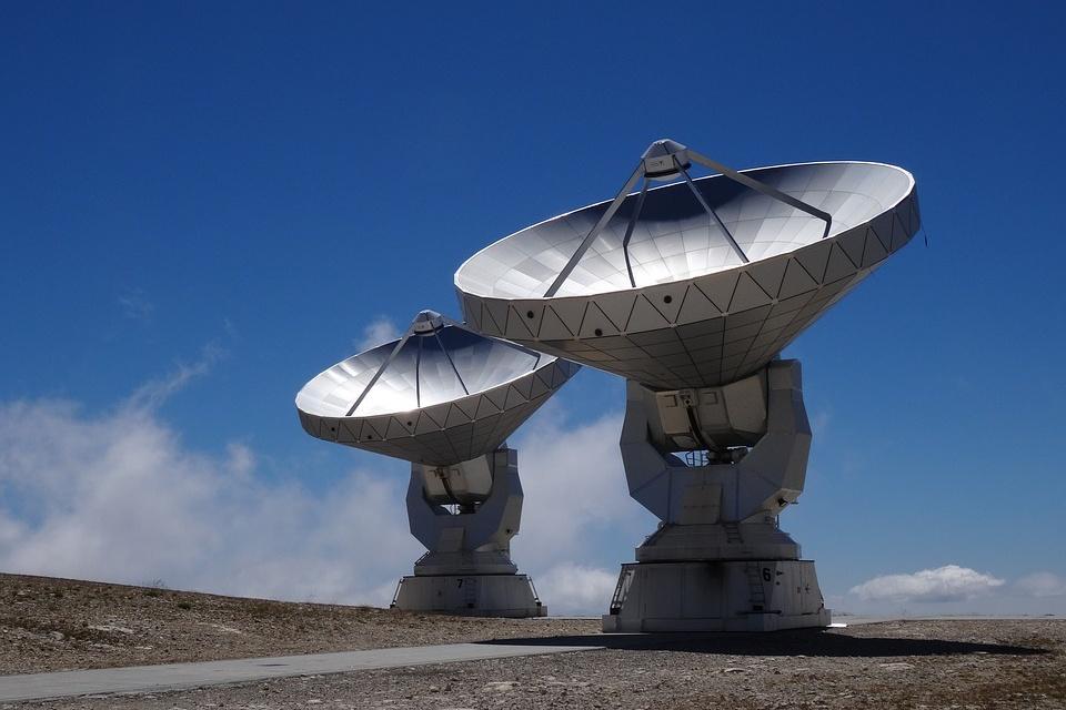 Radiotelescópio na Lua pode facilitar a busca por extraterrestres