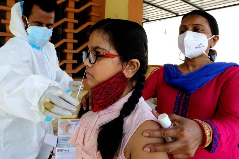 Covid-19: indianos criam testes de papel baratos, rápidos e eficazes