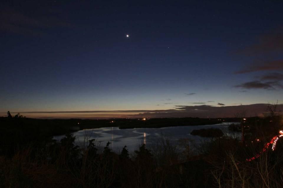 Marte ganha brilho especial na noite desta terça-feira (13)