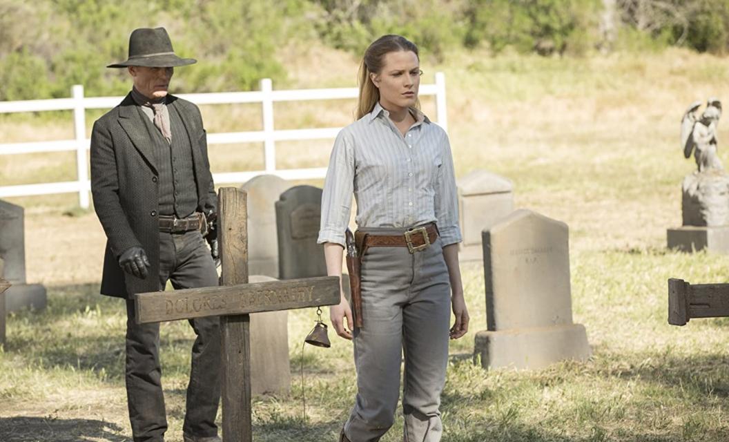 Em 'Westworld', Dolores e o Homem de Preto são os responsáveis por revelar o principal plot twist da série