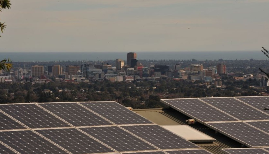 Região da Austrália passa uma hora usando apenas energia solar