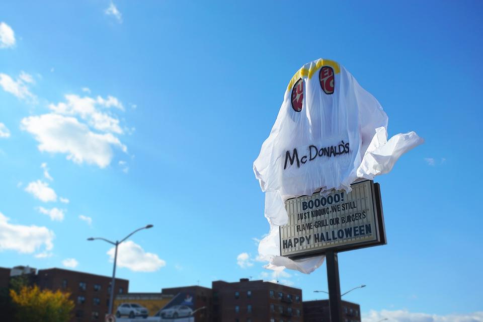 Burger King provoca McDonald's em brincadeira de Halloween