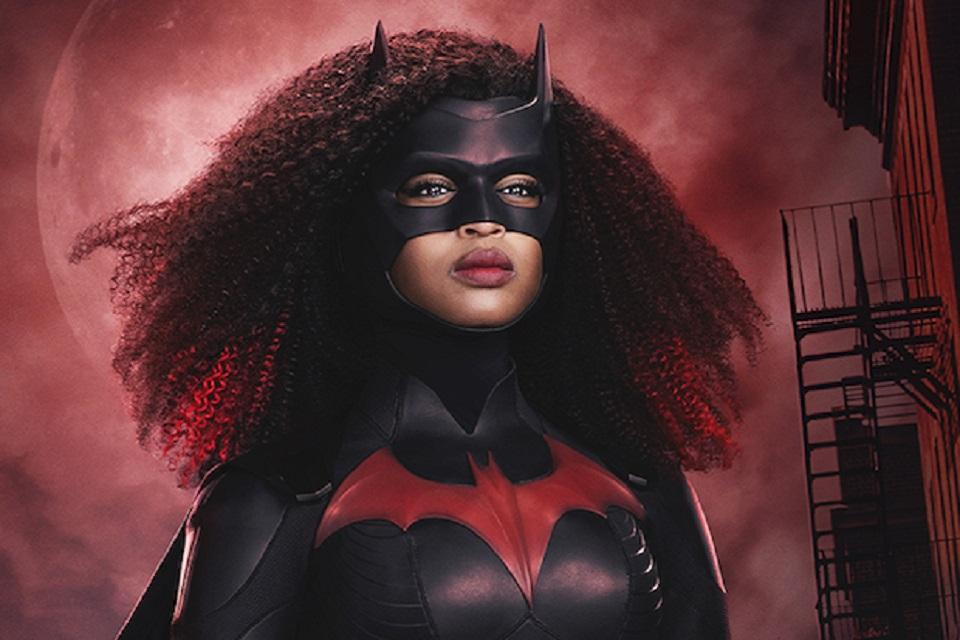 Batwoman: veja novos trajes da personagem de Javicia Leslie