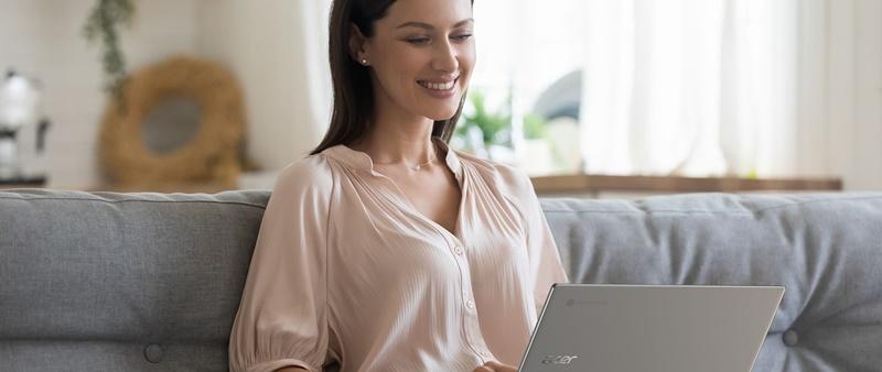 Evite a tentação de trabalhar de pijama enquanto estiver no home office.