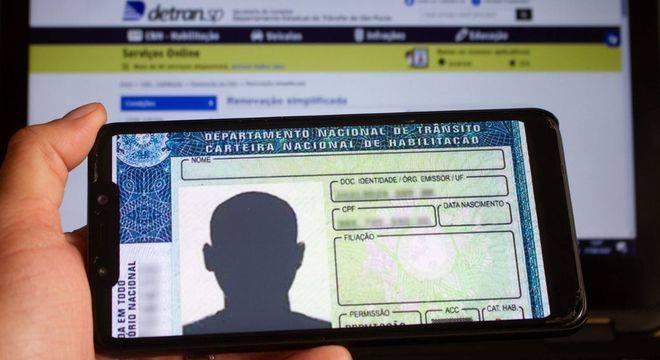 Mais de 9 milhões de brasileiros já aderiram a CNH digital