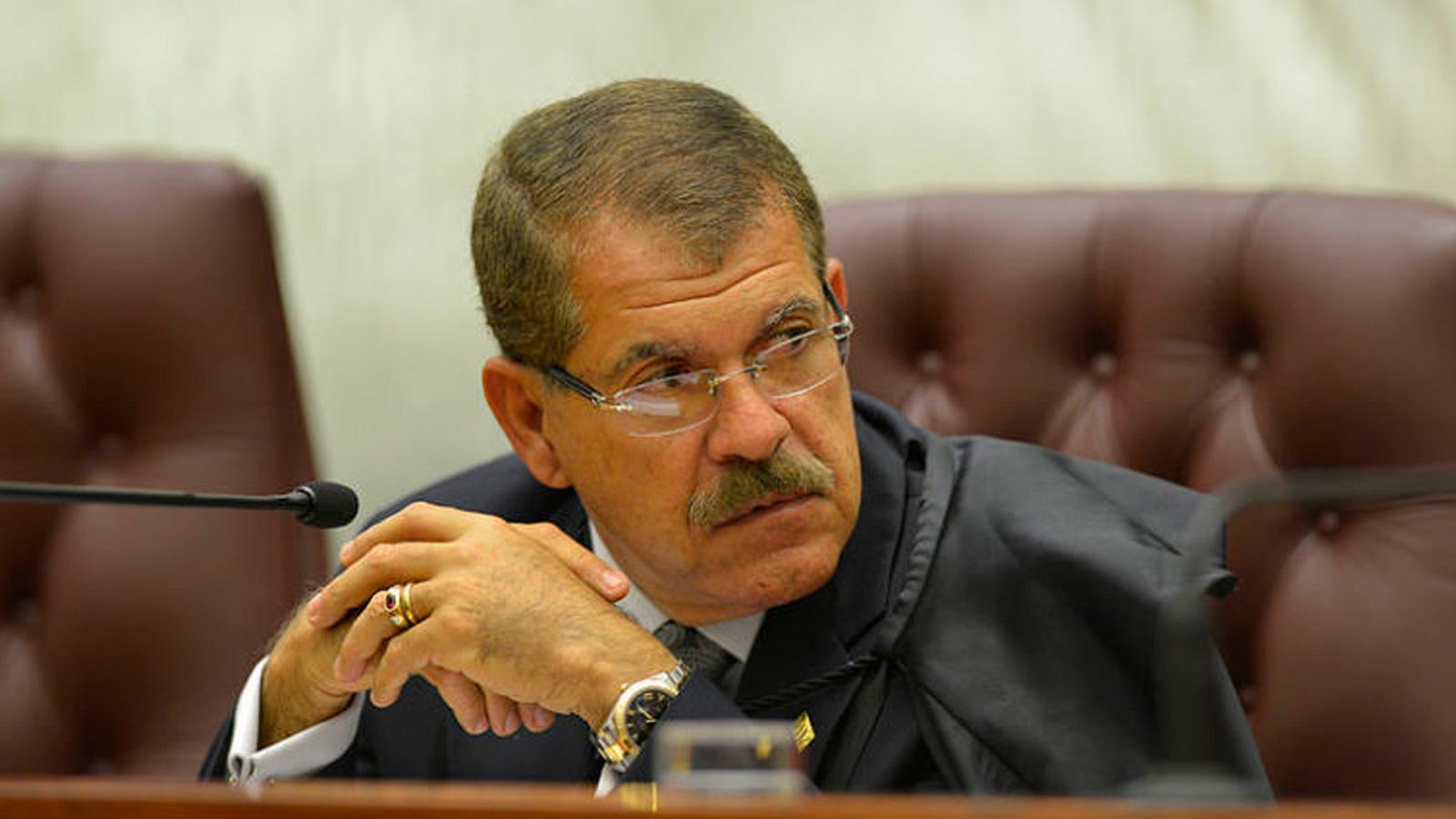 O presidente do STJ, ministro Humberto Martins, pediu que os servidores da Corte não liguem seus computadores pessoais e evitem emails (Fonte: STJ/Reprodução)