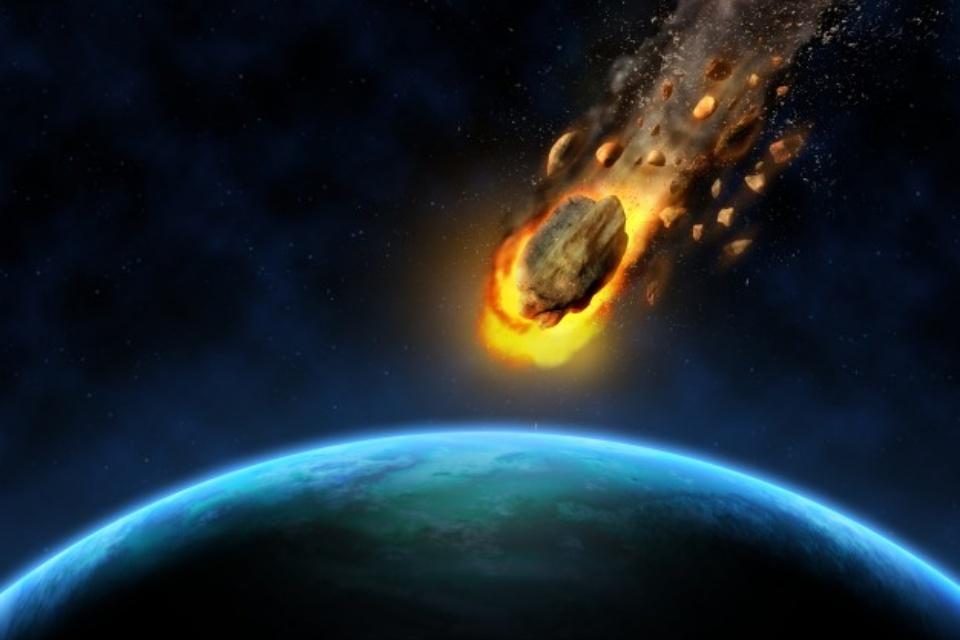 Luz do Sol está alterando a trajetória do asteroide Apophis