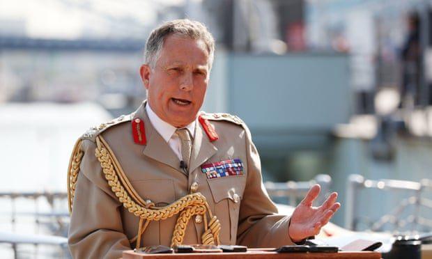 """Segundo o general Carter, """"Conflitos mundiais são um risco e precisamos estar cientes disso""""."""