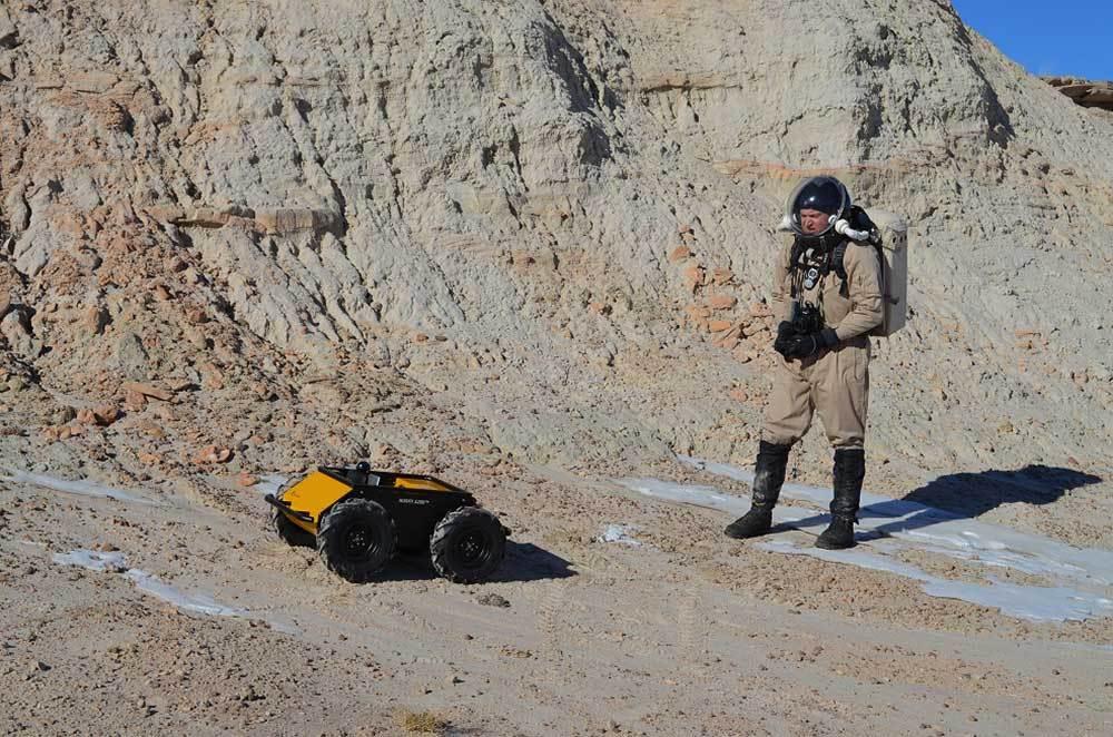 Um dos robôs hoje testados pelo exército americano, controlado à distância