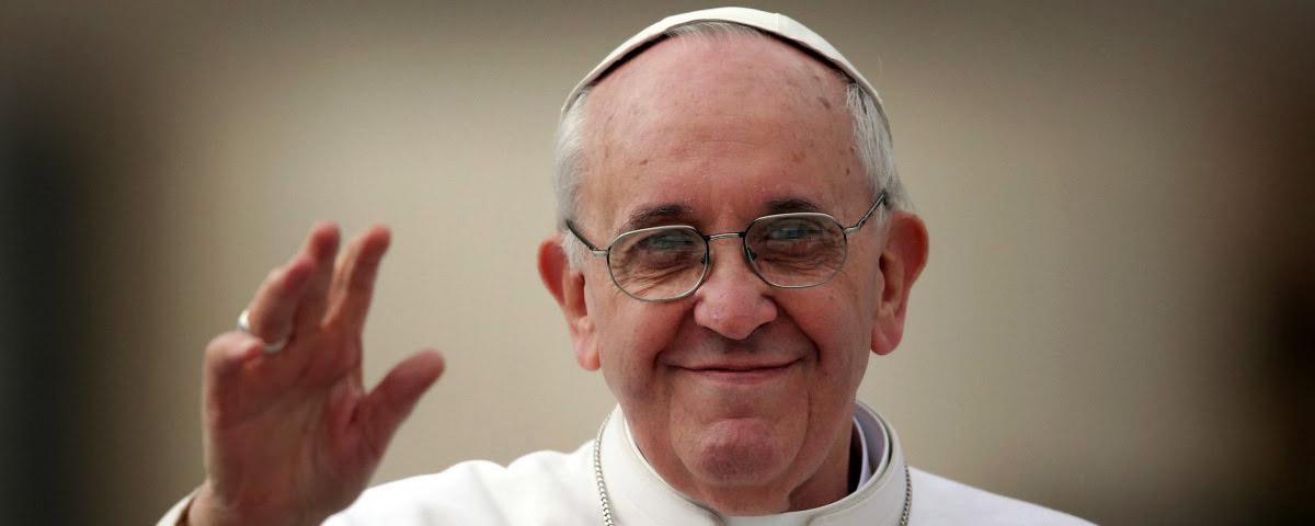 Imagem de: Papa Francisco pede orações para robôs e IA