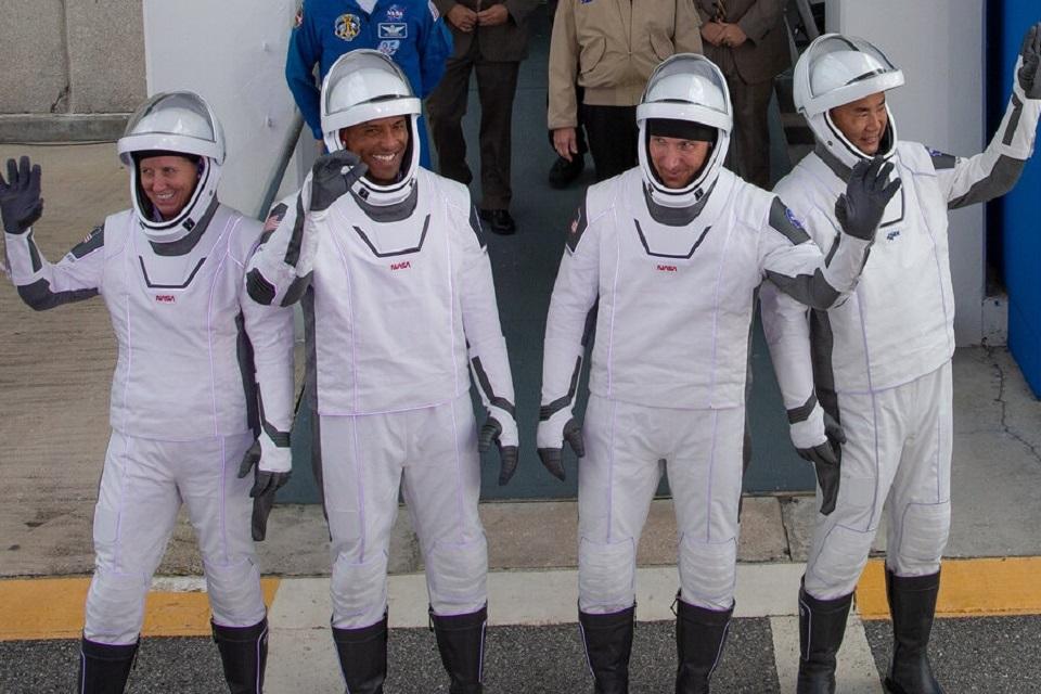 SpaceX promove lançamento de cápsula tripulada rumo à Estação Internacional