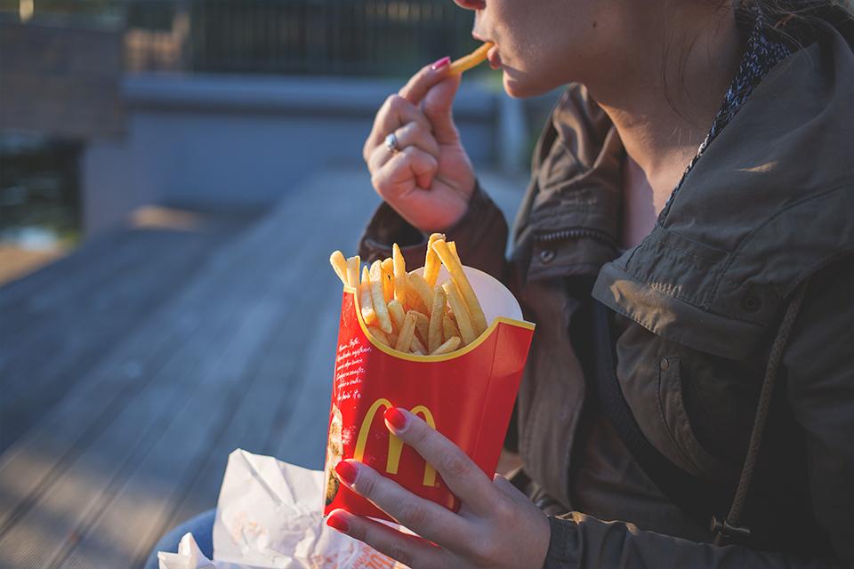 Méqui Friday: McDonald's celebra Black Friday até no WhatsApp