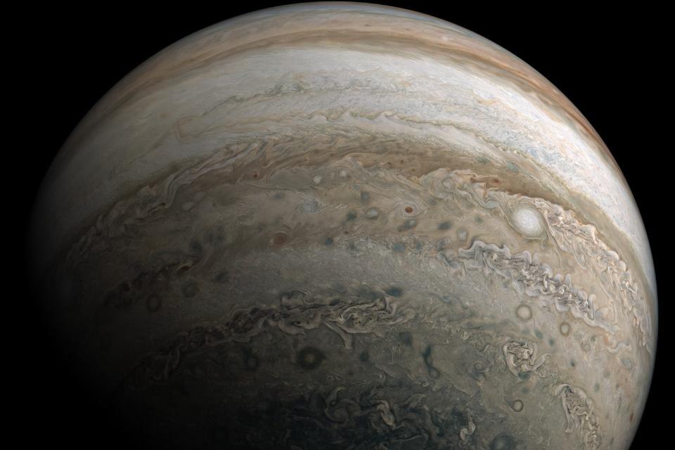 Sobrevoe Júpiter em um vídeo incrível da missão Juno da NASA