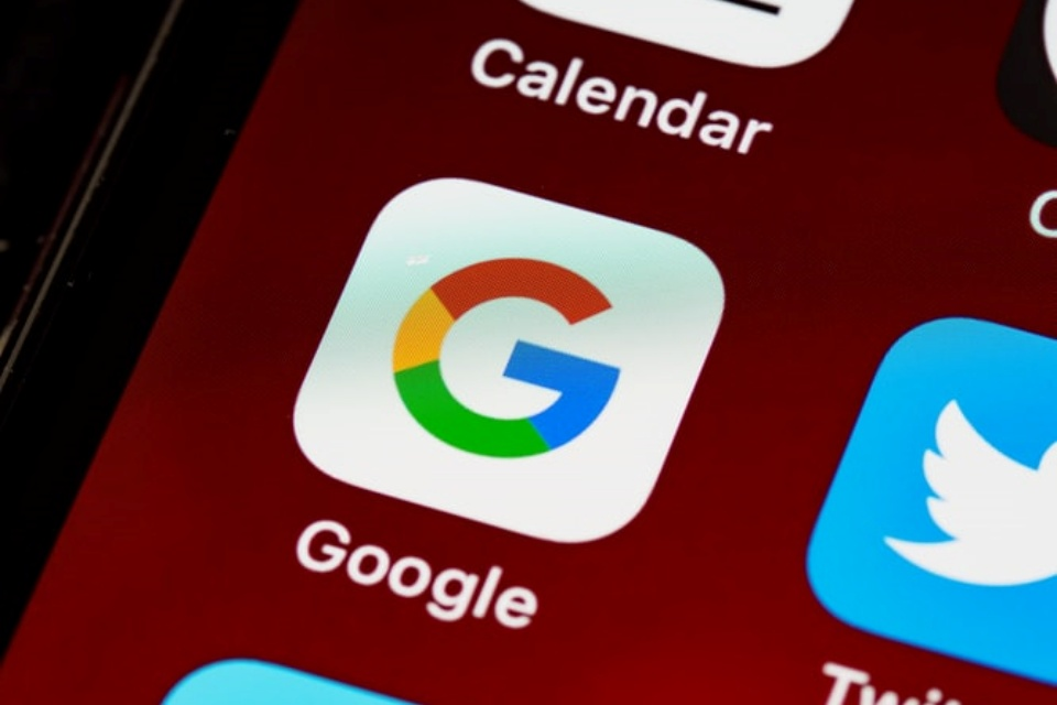 Reino Unido quer quebrar domínio de Google, Facebook e Apple
