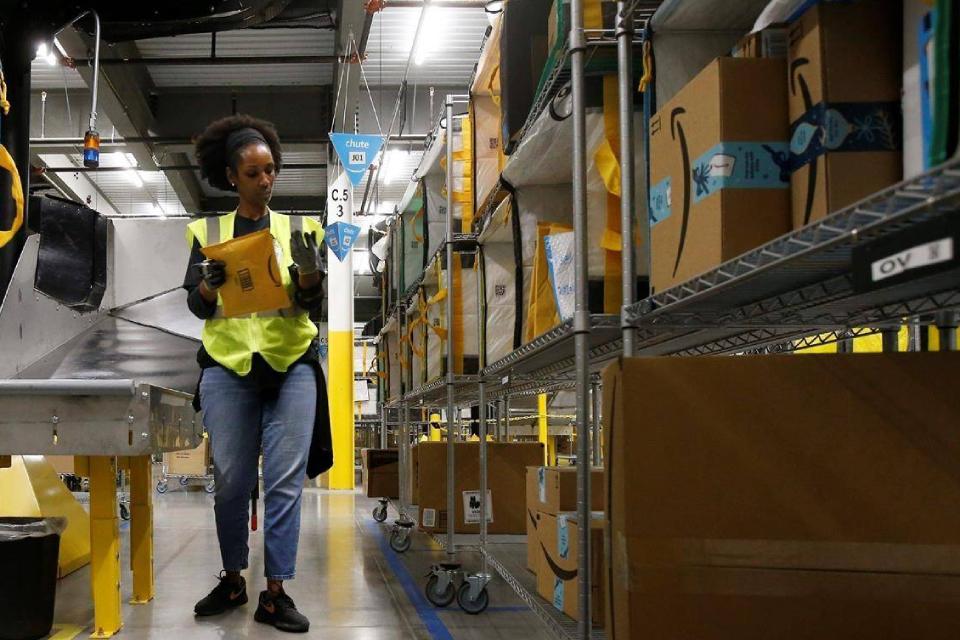 Amazon vai pagar bônus a funcionários após ameaça de greve