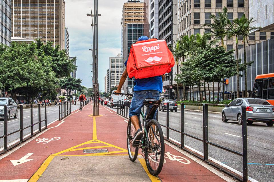 Apps de entrega estariam explorando trabalho infantil no Brasil