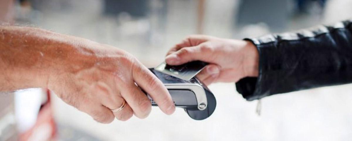 Imagem de: Pandemia: 30% dos consumidores adotaram pagamento por aproximação