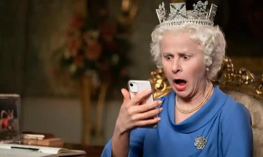 Tracey Ullman como Rainha Elizabeth II