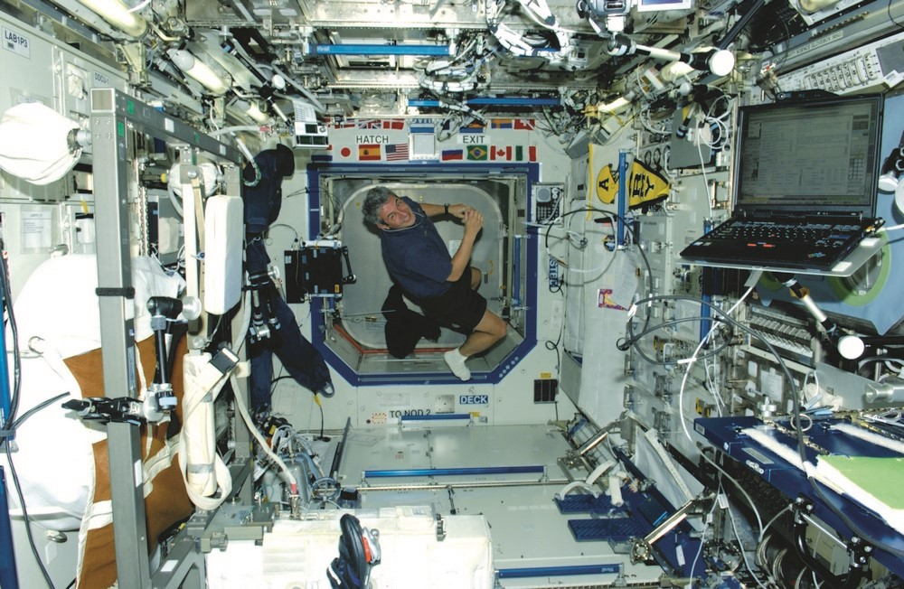 O atual ministro do MCTI, o então astronauta Marcos Pontes, a bordo da ISS