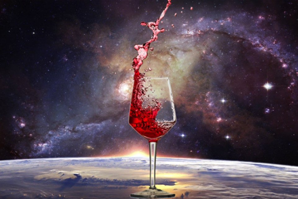 Garrafas de vinho envelhecido na ISS são trazidas pela SpaceX Dragon
