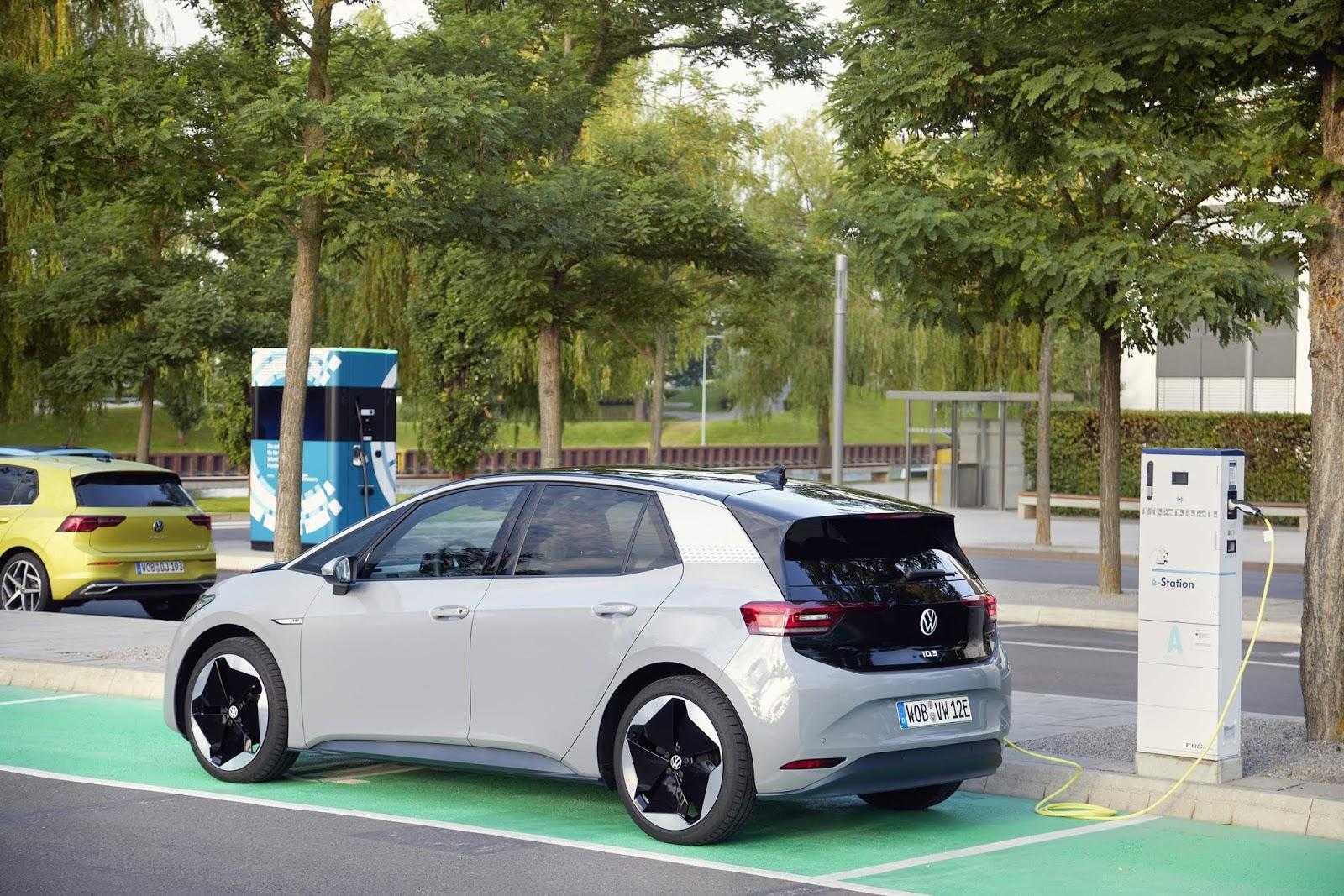 Fabricante alemã triplicou o número de vendas de carros elétricos em apenas um ano.