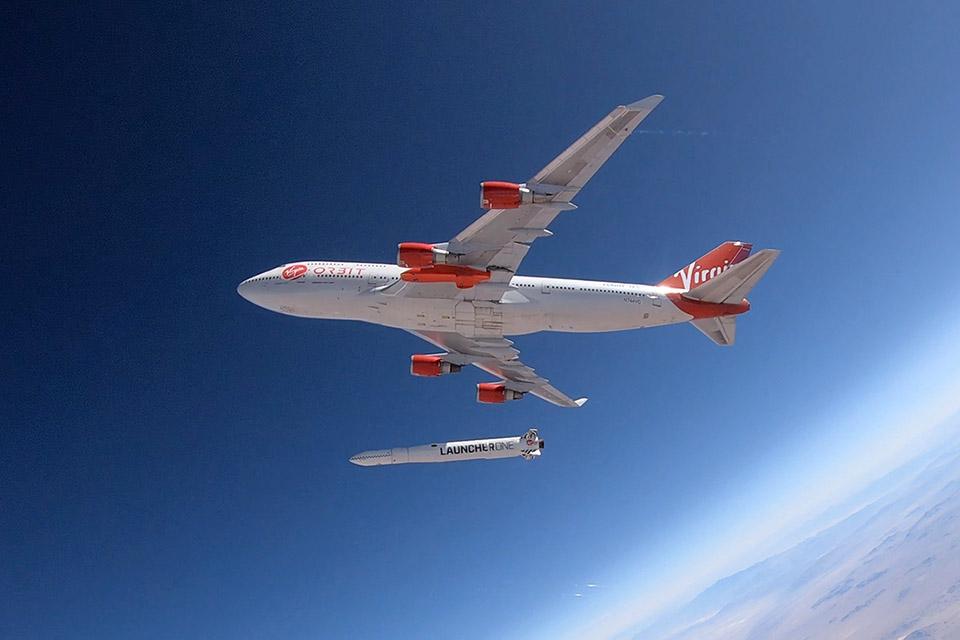 Virgin Orbit marca para domingo o seu primeiro voo aeroespacial