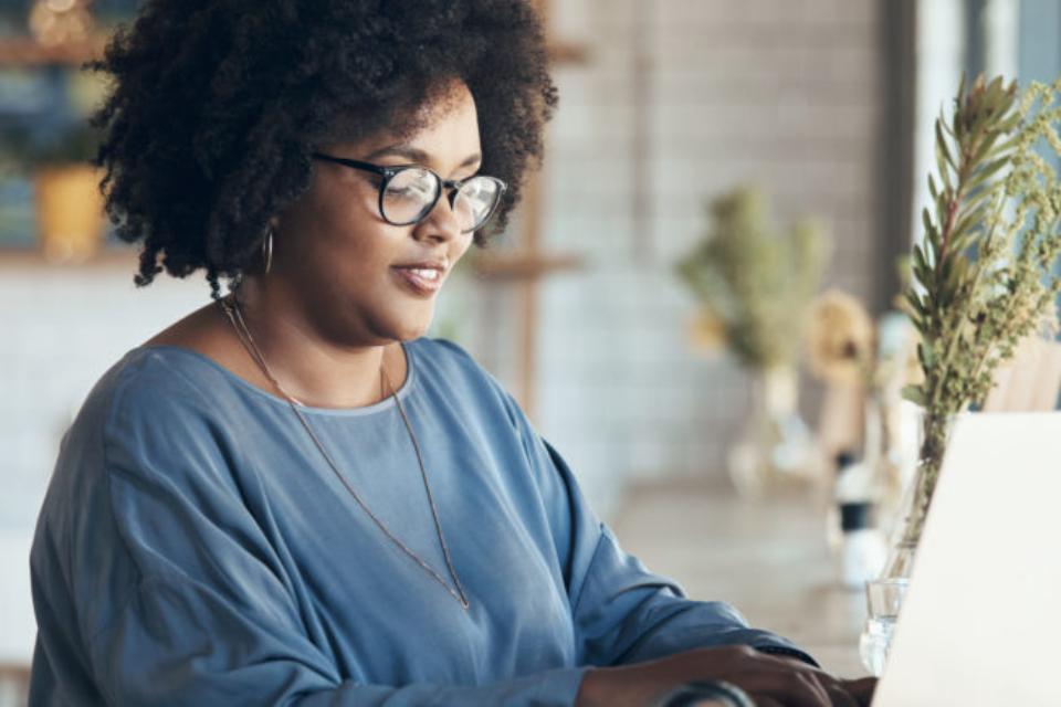 QuintoAndar cria programa de formação tecnológica para negros