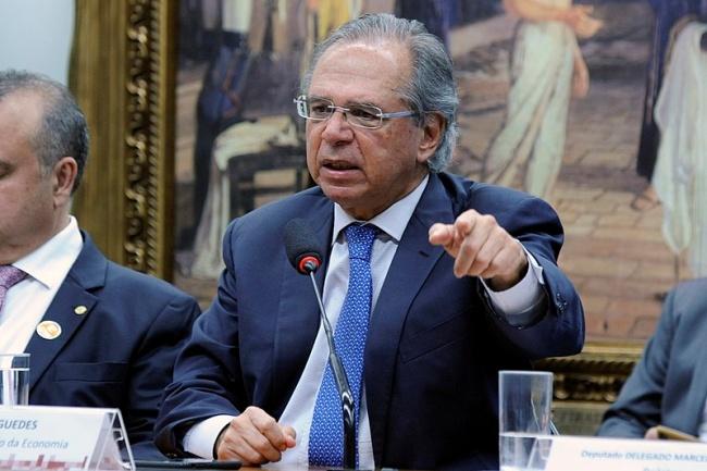 A volta do auxílio depende de proposta de Paulo Guedes.