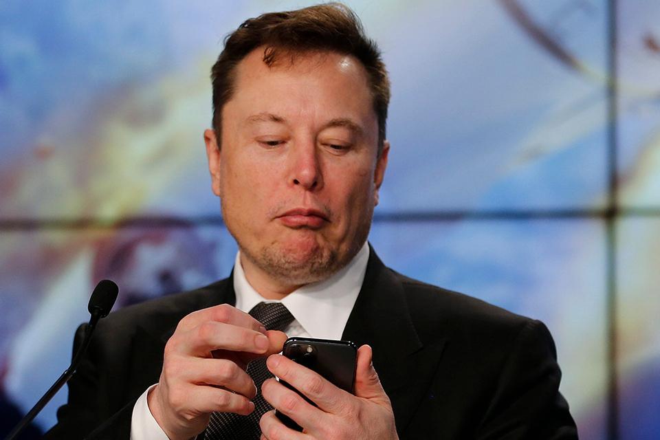Tesla terá profissionais respondendo clientes no Twitter de Musk