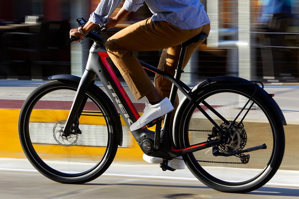 Bicicletas elétricas venderão mais que carros em breve na Europa