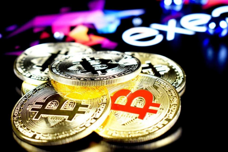 Bitcoin sofre a pior queda semanal dos últimos meses