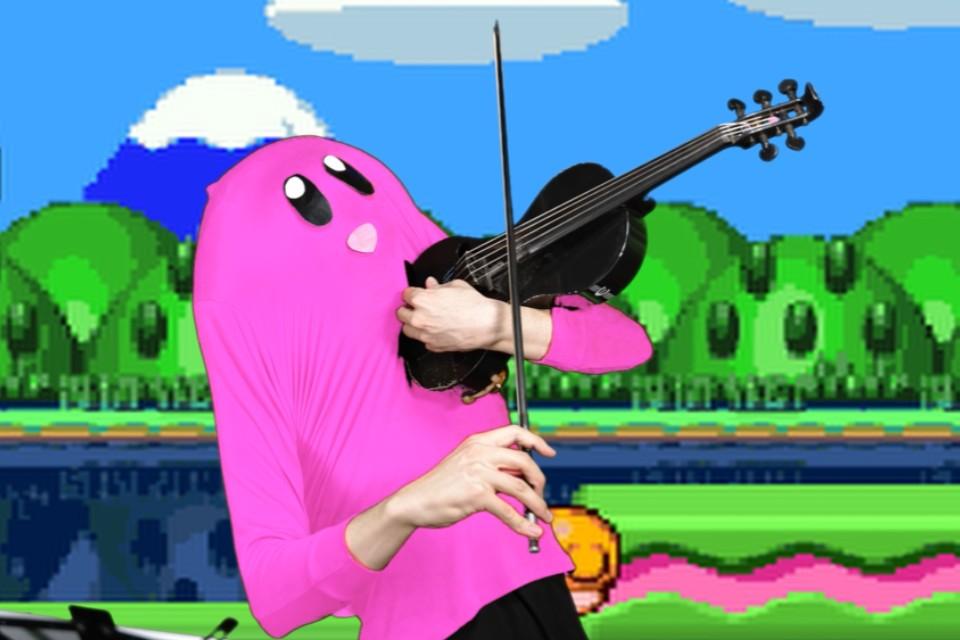 Músico toca temas de Pokémon e Dragon Quest com cosplay divertido