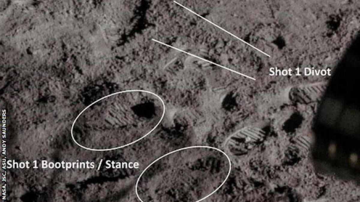 Pegadas de Shepard durante a primeira bola lançada