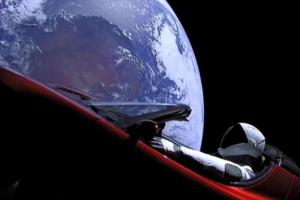 Financiamento coletivo quer enviar um terraplanista para o espaço