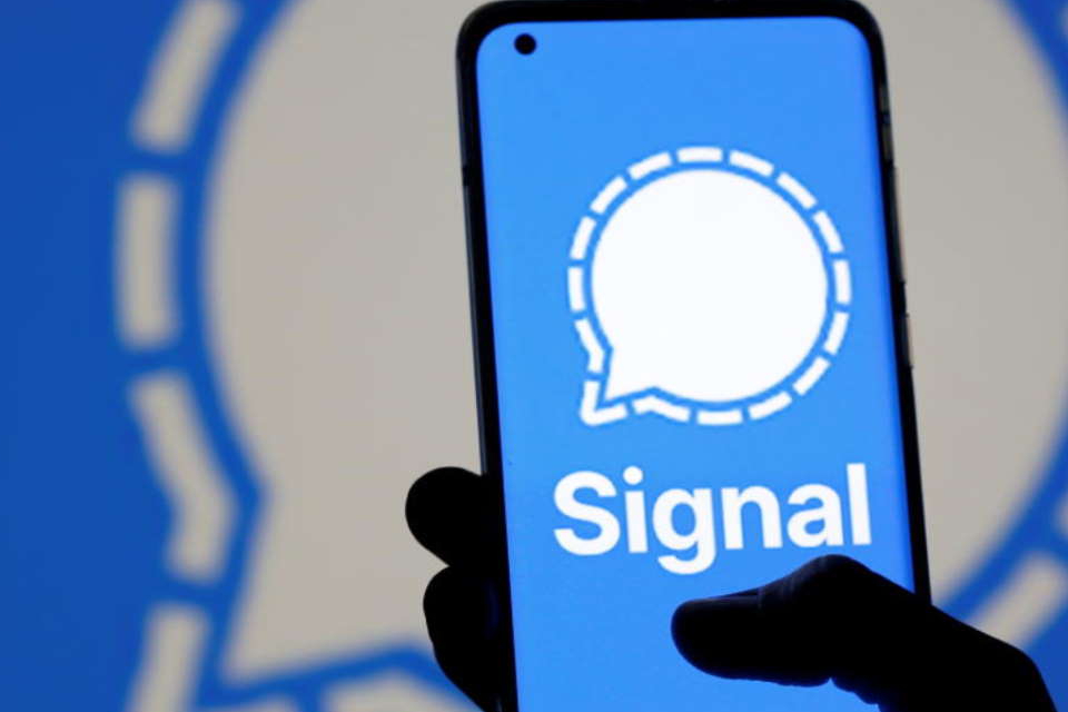 FBI acessa dados do Signal ao explorar falha do iPhone