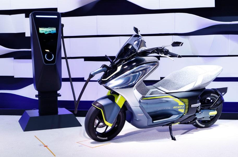 Yamaha prepara nova moto elétrica E01 de '125 cc'