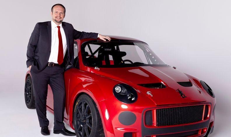 A AK Motor International de Arkadiusz Kaminski anunciou mas jamais produziu o polonês FSO Syrena no Canadá.