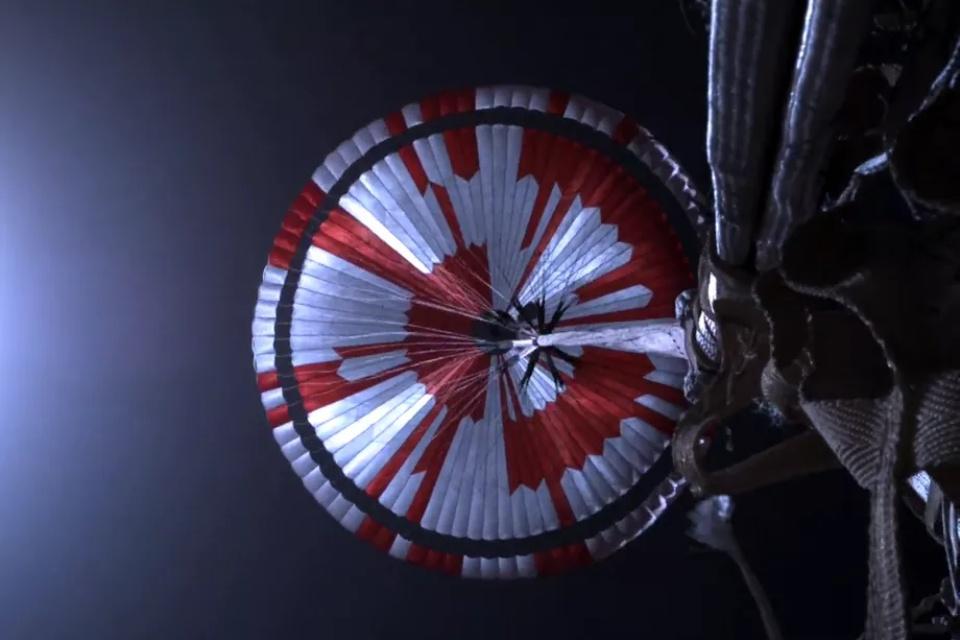 Paraquedas do rover da NASA carregava mensagem escondida