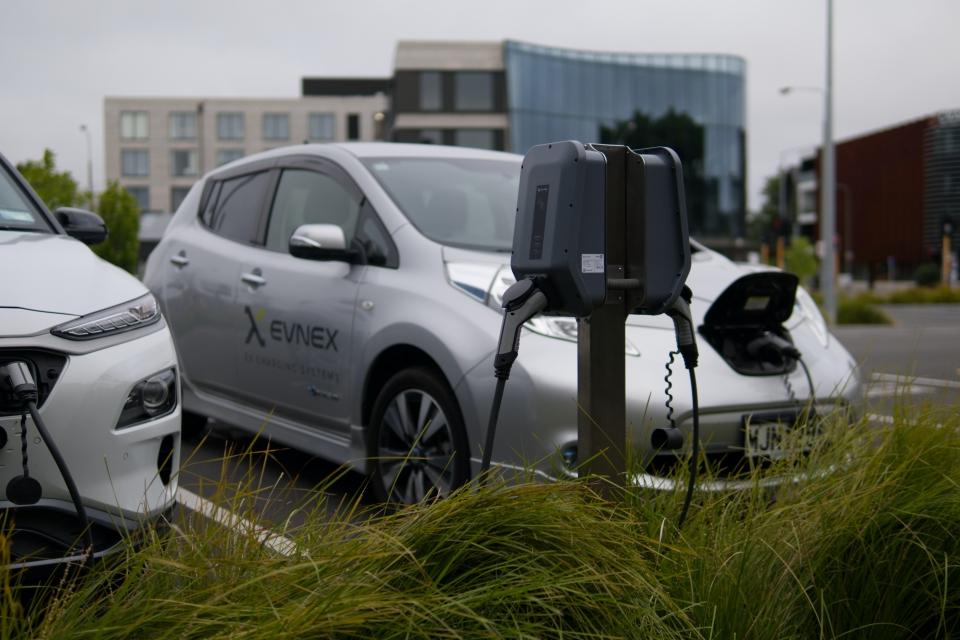 Carros elétricos devem ser atingidos por novos impostos
