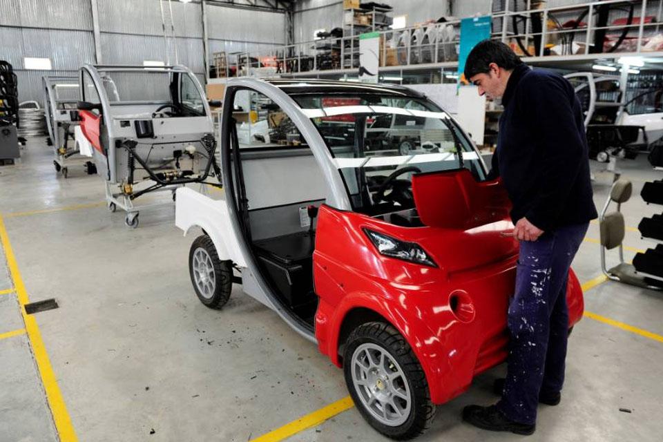 Movi Electric inicia produção de mini carros elétricos no Paraná