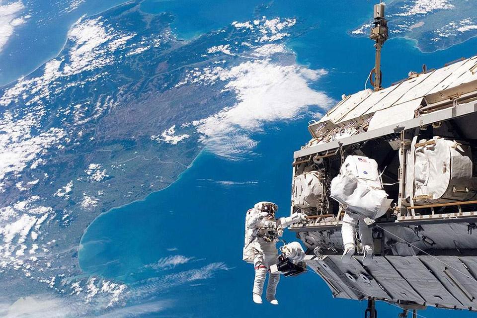 Astronauta Kate Rubin 'passeia pelo Brasil', a 420.000 m de altura