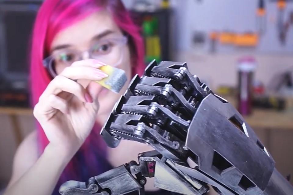 Cyberpunk 2077 inspira prótese temática de Johnny Silverhand