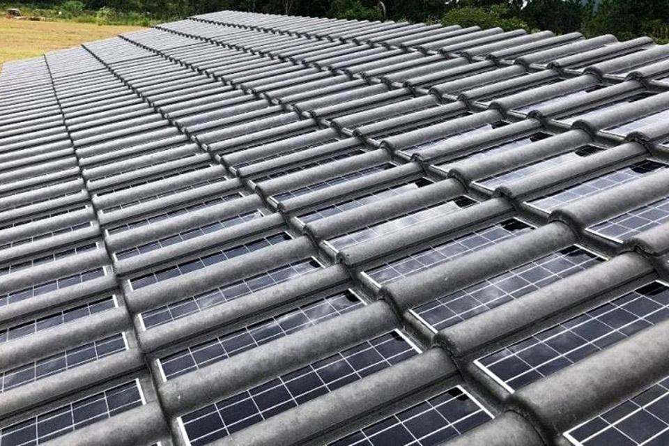 Telhas solares serão 20% mais baratas que painéis, diz Eternit