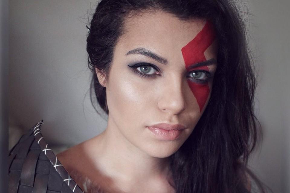 God of War: cosplay feminino de Kratos reimagina o Deus da Guerra