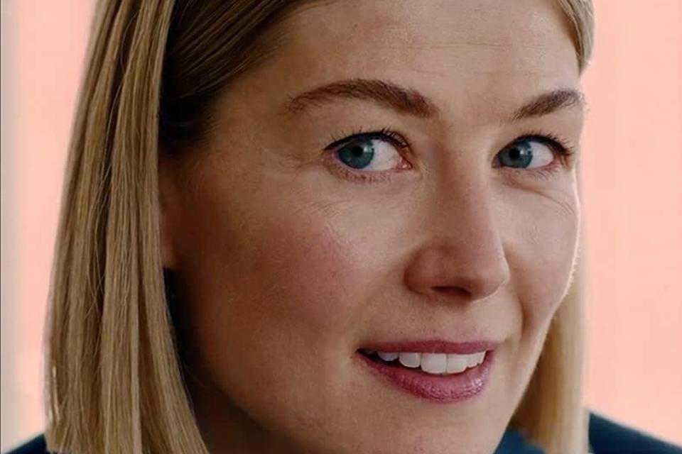 Eu Me Importo: 10 filmes parecidos com a nova sensação da Netflix